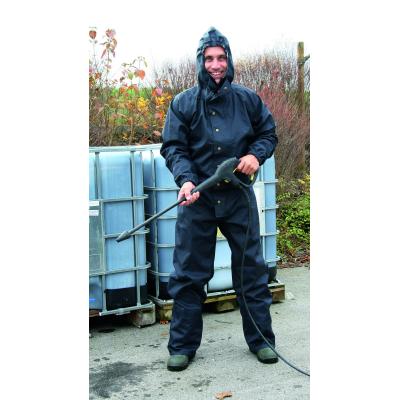 Mosó- és tisztító overall kapucnival